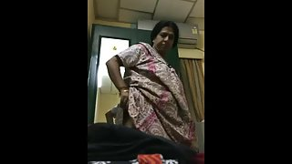 Mature Indian MILF Aunty While Changing Night Suit