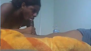 Indian Amateur Girl Giving Blowjob Sex