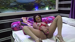 Bhabhi Fingering Her Wet Pussy In This Squirting Indian Porn